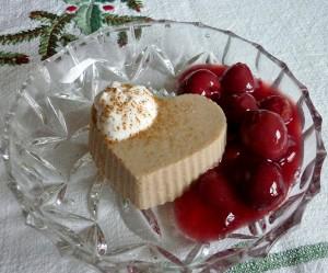 Lebkuchen-Panna-Cotta-mit-Zimtkirschen