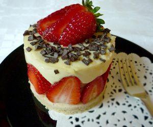 Erdbeer-Joghurt-Creme-Törtchen