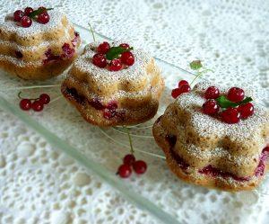 Johannisbeer-Haselnuss-Kuchen