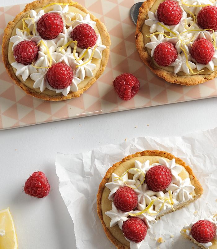 Zitronen-Wölkchen-Cheesecake-spot-700x801