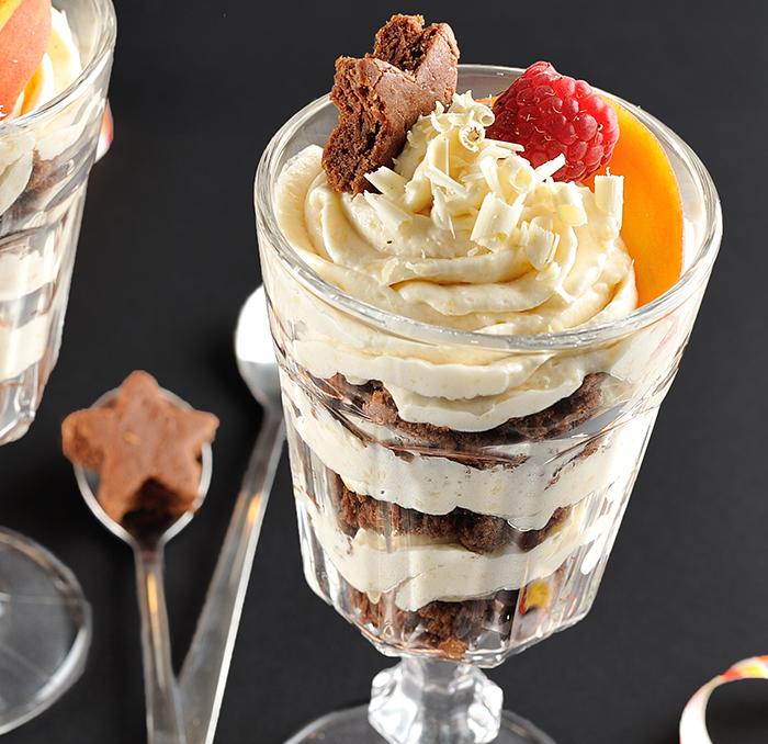 Peach-Chocolate-Cheesecake-Trifle-spot-700x678