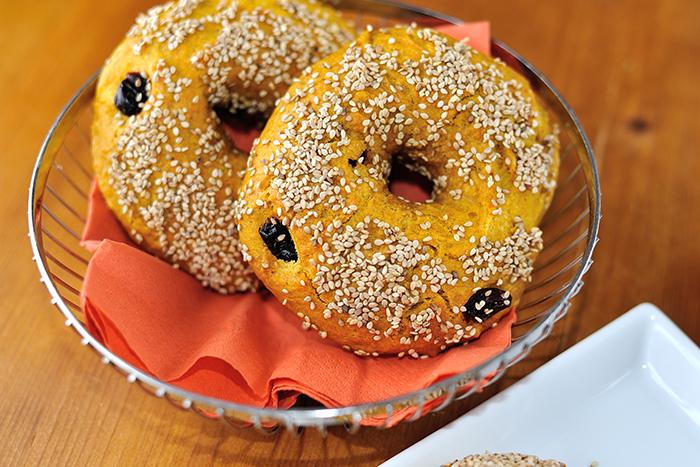 Süßkartoffel-Cranberry-Bagels_spot-700x467