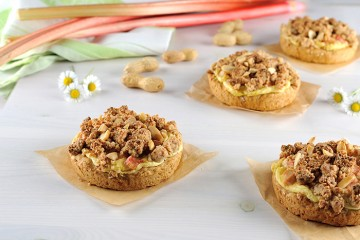 Rhabarber-Erdnuss-Tartelettes