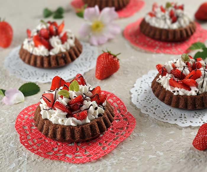 Erdbeer-Doppel-Schoko-Mousse-Törtchen
