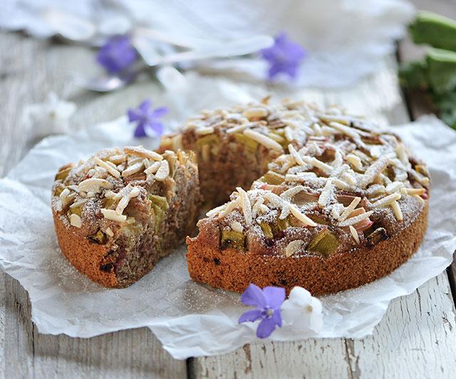 Rhabarber-Hirse-Kuchen