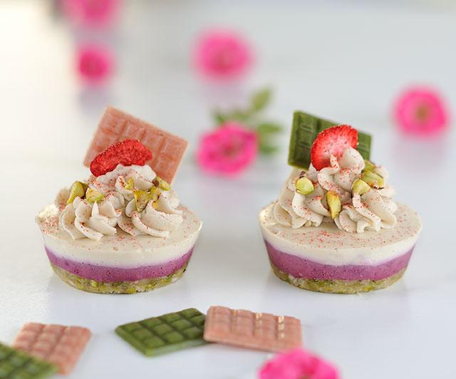 Rohe _Pistazien-Beeren-Cupcakes