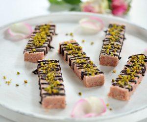 Rohe-Erdbeer-Kokos-Riegel