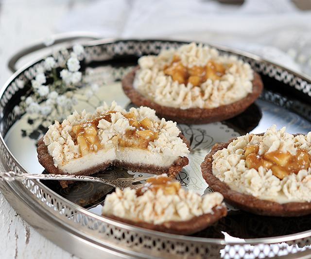 Rohe_Apfel-Karamell-Cheesecake-Tartelettes