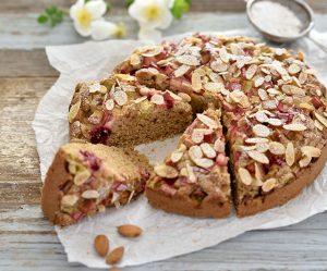 Rhabarber-Mandel-Hirse-Kuchen