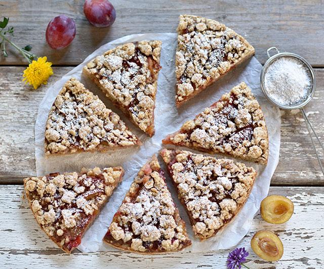Pflaumen-Haselnuss-Streusel-Kuchen