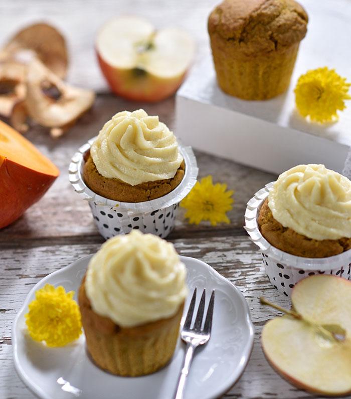 Kürbis-Cupcakes mit Apfel-Frischkäse-Topping
