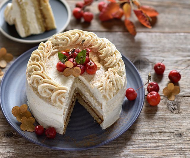 Apfel-Mandel-Creme-Torte mit Dattelkaramell