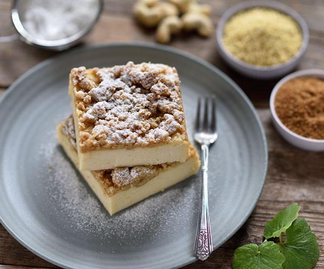 Hirse-Cheesecake mit Zimt-Haferstreuseln