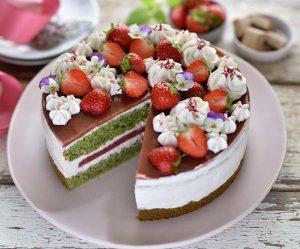 Kürbiskern-Erdbeer-Torte mit weiße-Nougat-Schoko-Creme