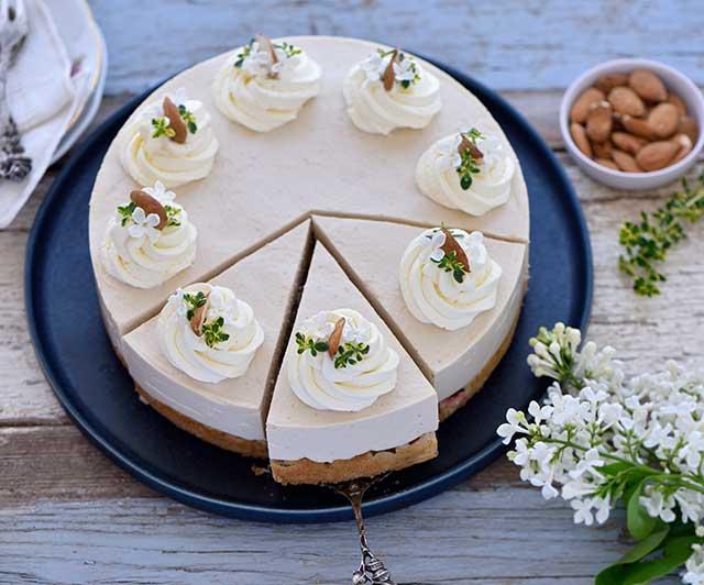 Rhabarber-Mandel-Torte mit Marzipan-Mascarpone-Creme